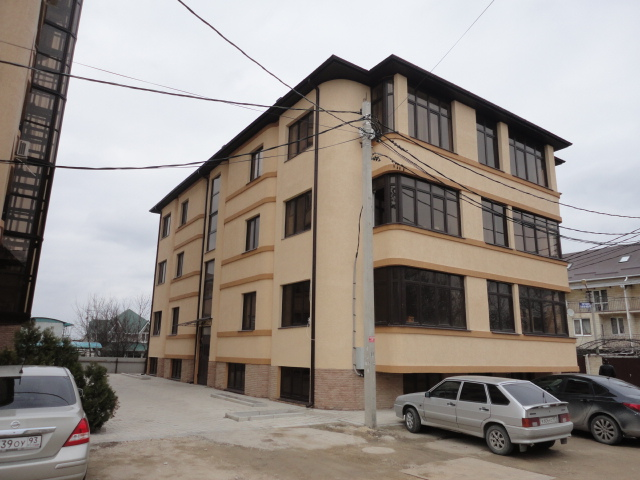 1 комнатная квартира ул.Кати Соловьяновой 38 кв.м.