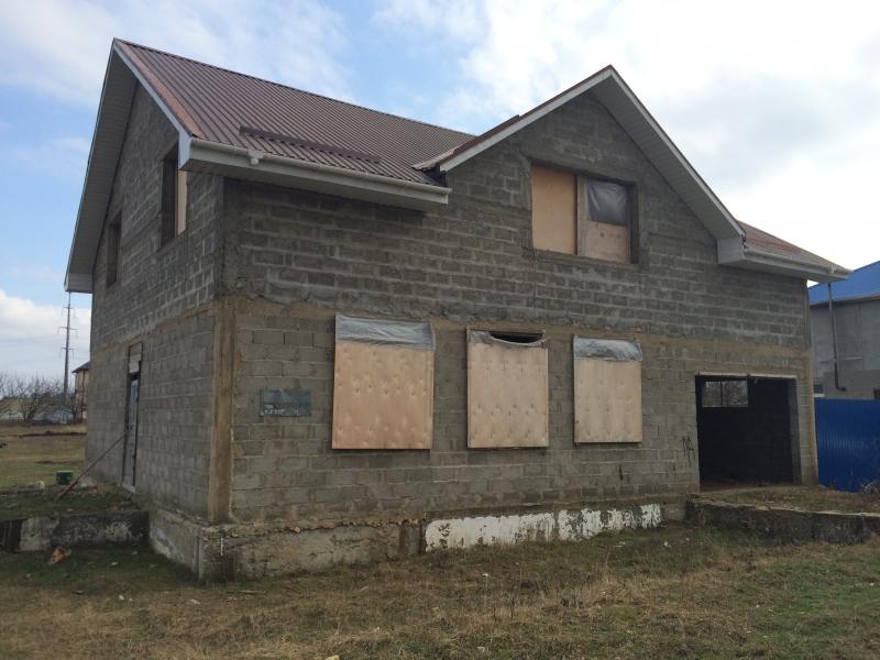 Недостроенный дом 240 кв.м.