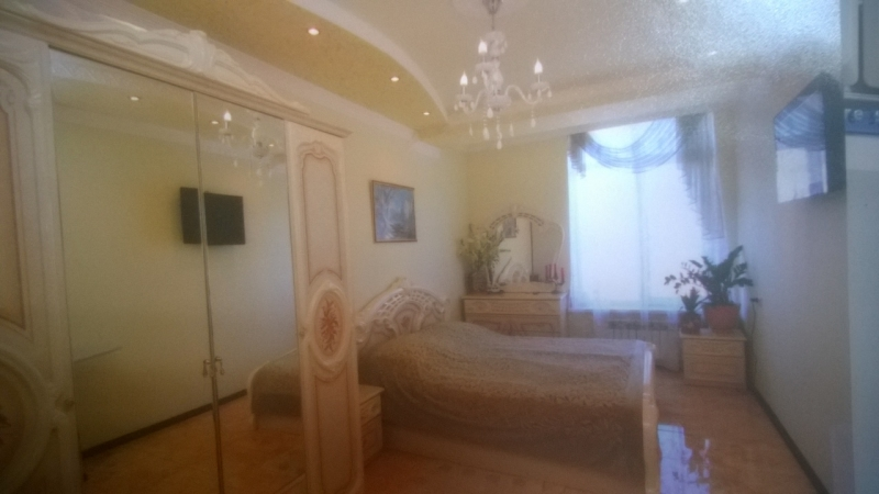 1 комнатная квартира ул.Гребенская 45 кв.м.