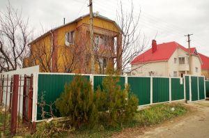 Большой жилой дом в пригороде Анапы.