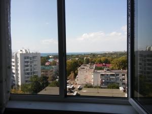 Продается 2-х комнатная квартира по ул.Крымская 242