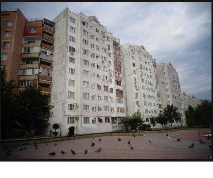 Продается 2-х комнатная квартира с ремонтом в 3 А мкр.